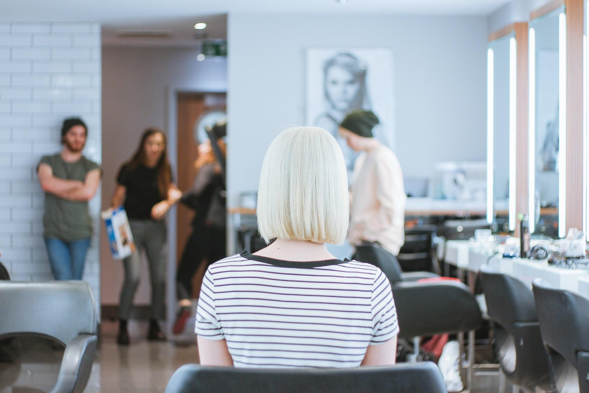 Lucruri pe care hairstilistii ar vrea sa le stie clientii cand vin la salon